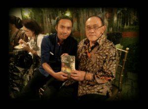 Foto: Ara bekerjasama dengan Aburizal Bakrie dalam penerbitan bukunya